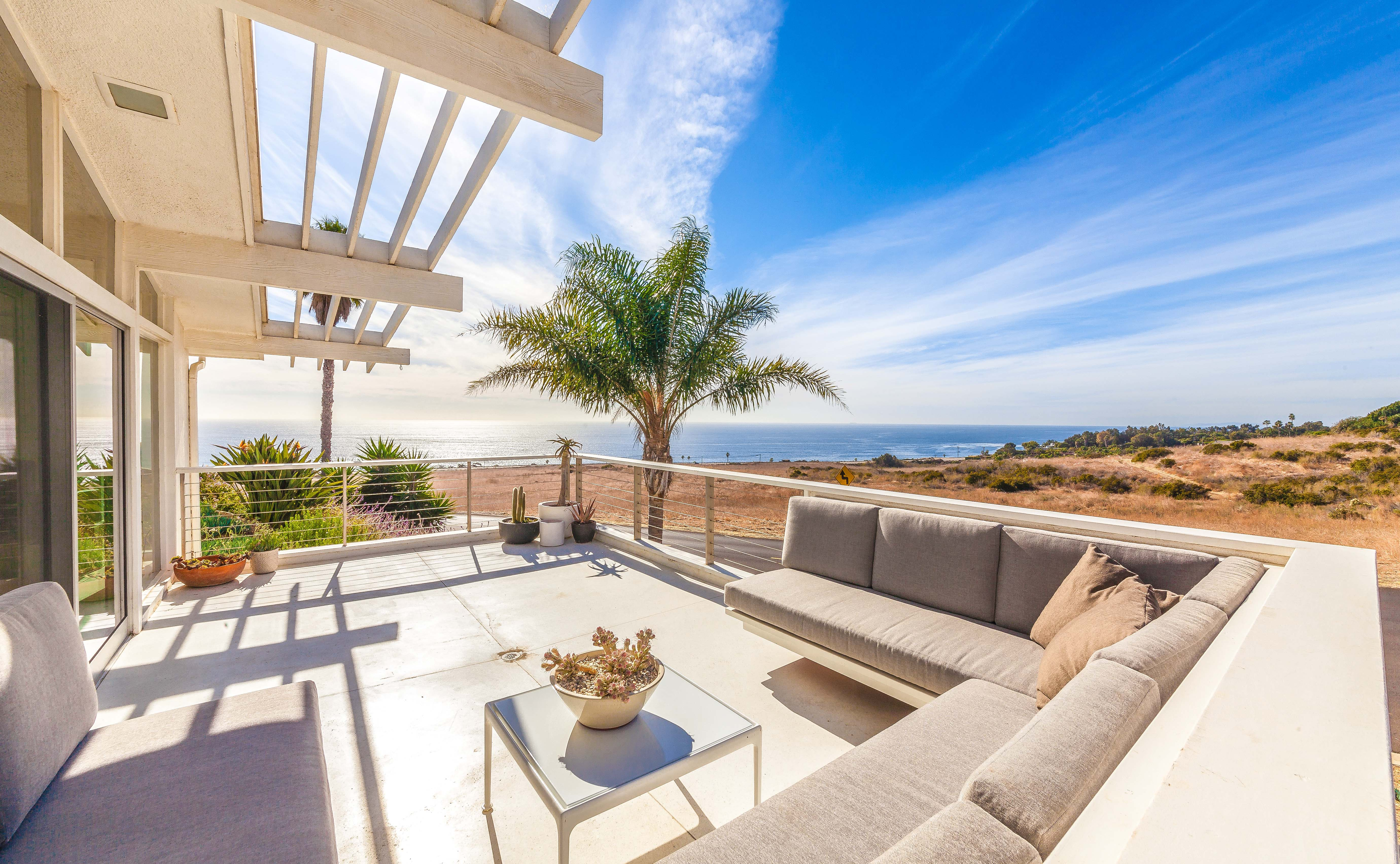 2017 Showed Us The Strongest Median Price On Record For Malibu Beach Housealibu Landside Houses Since Real Estate Is Known It S High