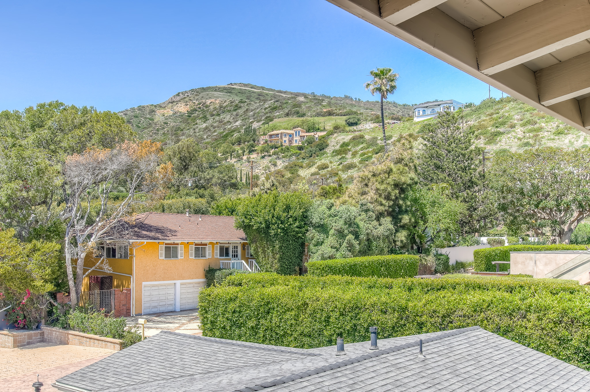 malibu-hillside-real-estate